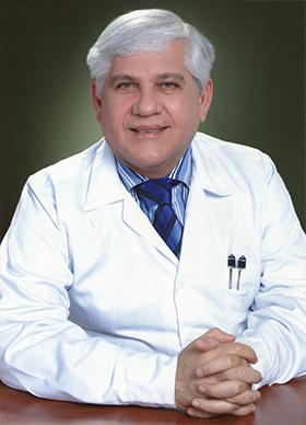 Dr. Ricardo Manzur